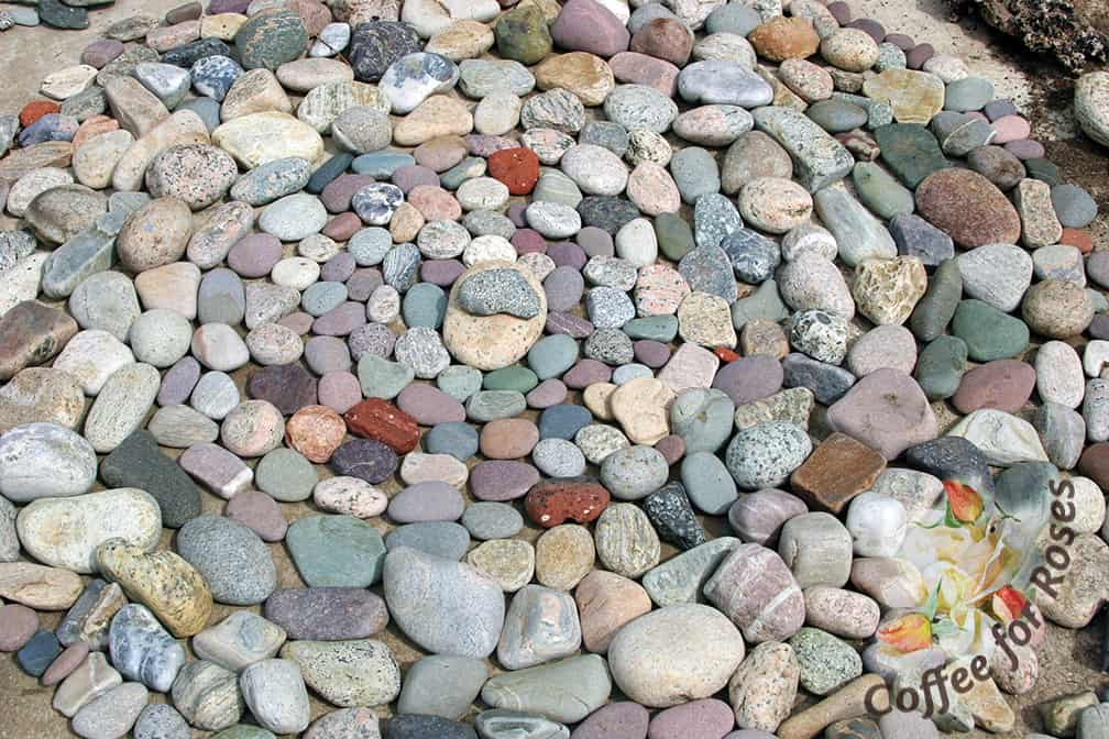 Stones In The Garden Coffee for roses rockin the garden stones can be arranged in the pattern of your choice on flat surfaces be it workwithnaturefo