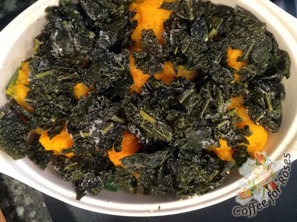 Put the fresh or frozen kale leaves over the squash.